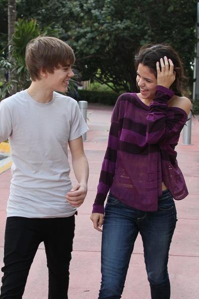 Är Justin fortfarande dating Selena Gomez